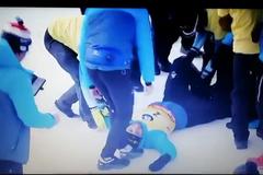Фуркада уронили, когда качали после гонки