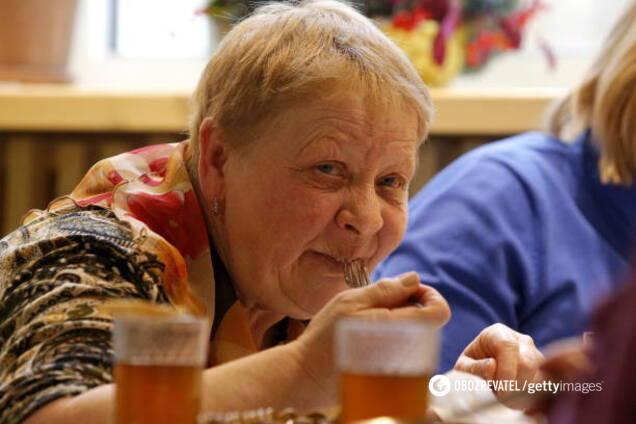 Як мають харчуватися люди похилого віку під час карантину: поради дієтолога