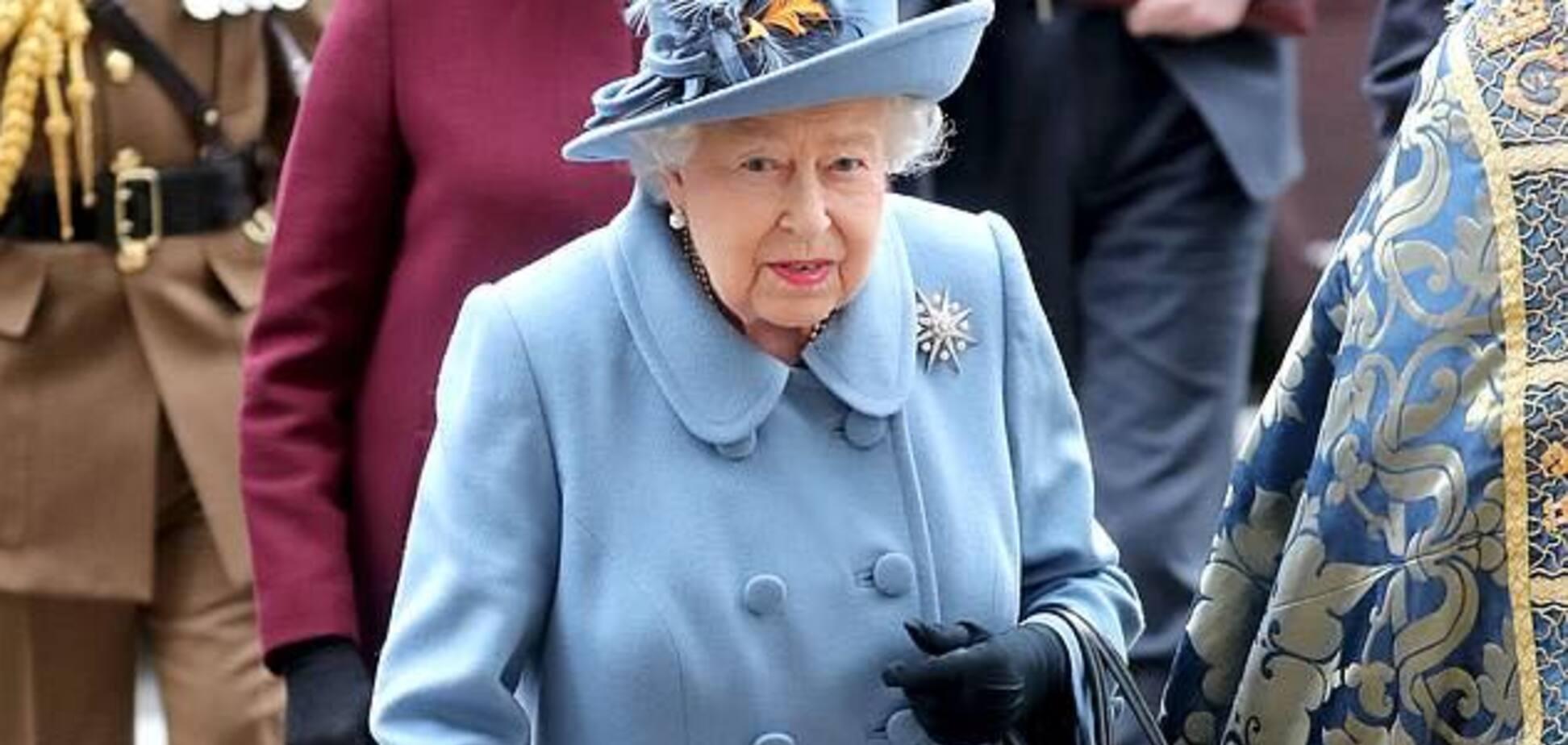Коронавирус в Великобритании: Королева Елизавета остается со своим народом