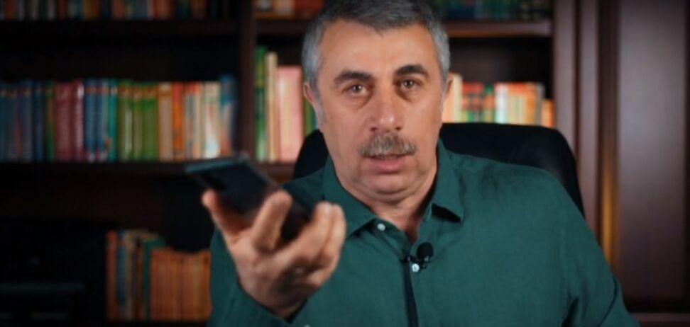 Комаровский назвал правила пользования мобильным во время коронавируса. Видео