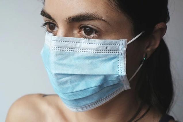 99% звичайних масок в Україні не захищають від вірусів: розкриті гнітючі факти