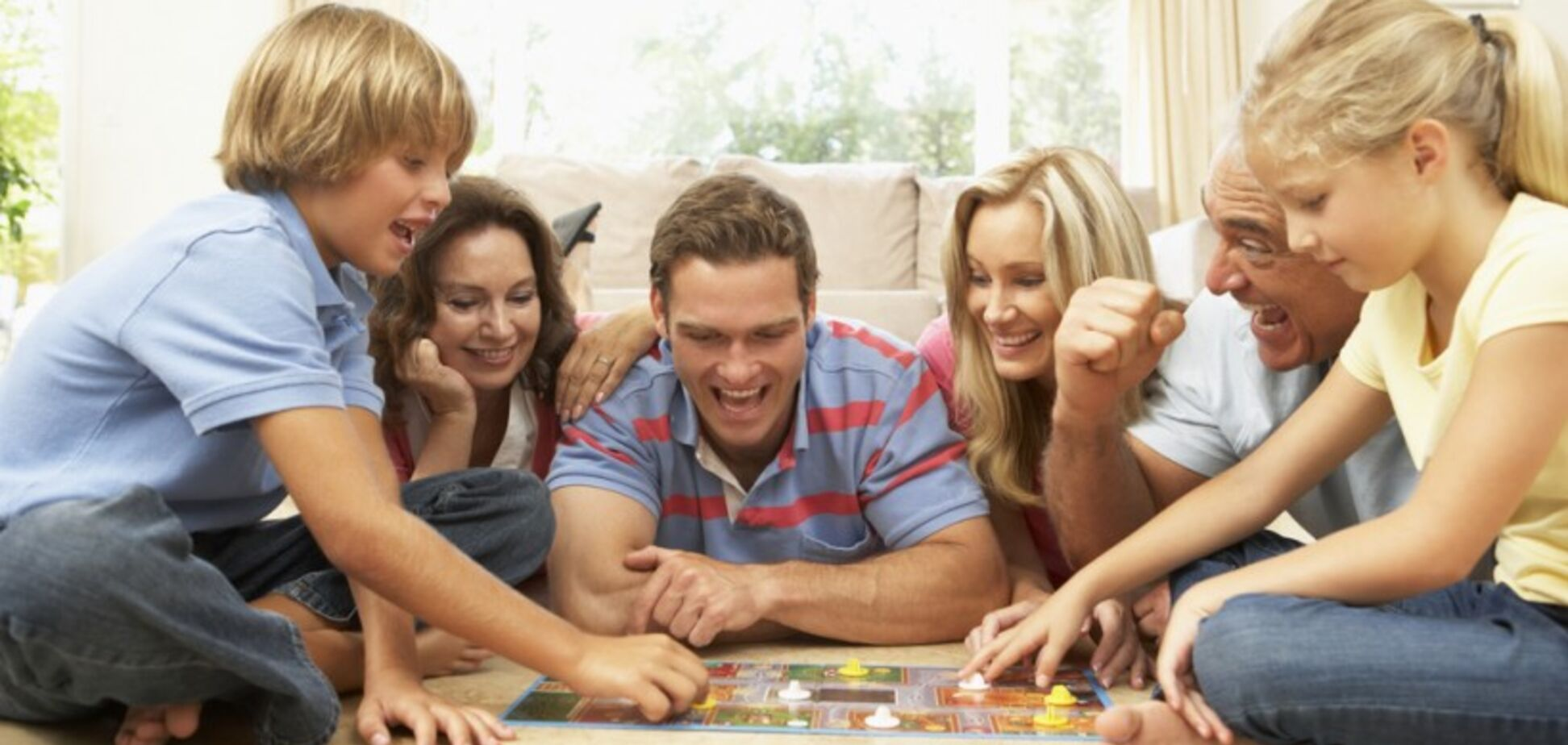 Чем развлечь детей на карантине: топ-5 настольных игр для всей семьи
