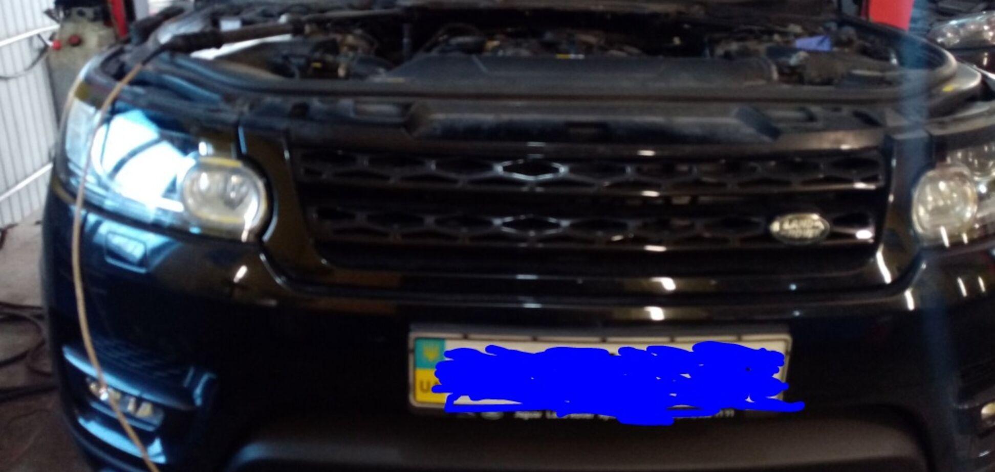 В новые Range Rover ставят старые моторы Пежо: фотодоказательство