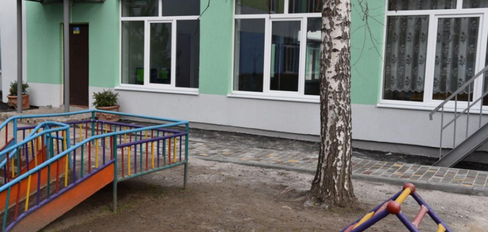 На Дніпропетровщині в дитсадку встановили три унітази, але одну перегородку