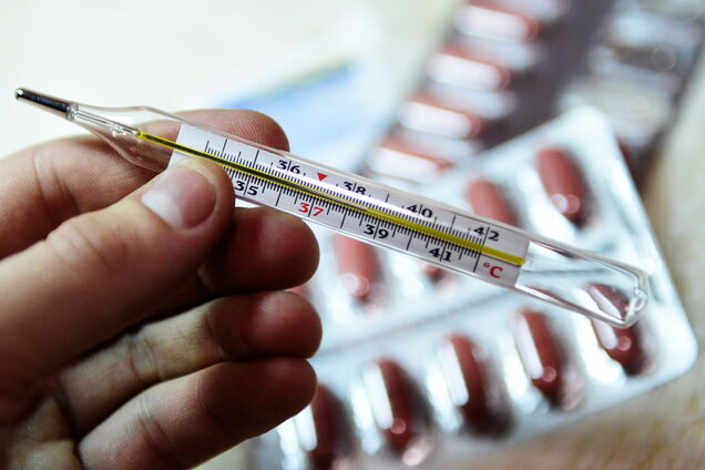 Симптомы похожи на COVID-19: в Украине за месяц умер 621 человек
