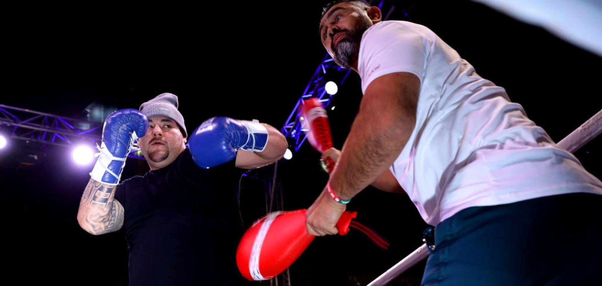 Энди Руис отправил в нокдаун чемпиона UFC Андрея Орловского