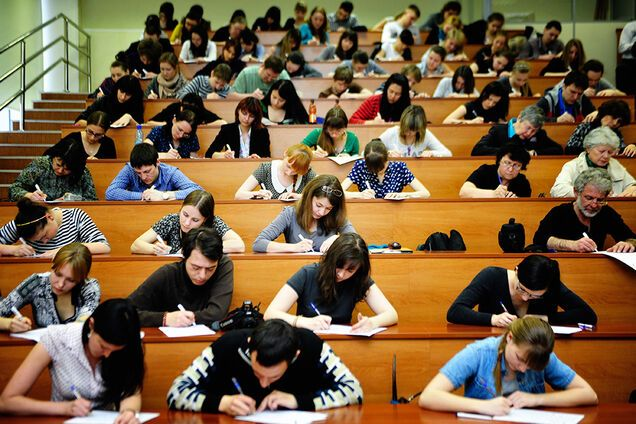 У МОН повідомили, коли завершиться навчальний рік для студентів