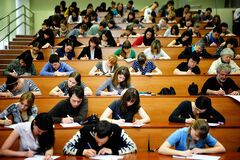 В МОН сообщили, когда завершится учебный год для студентов