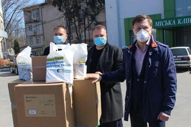 Фонд Порошенко передал в Винницу оборудование для борьбы с коронавирусом