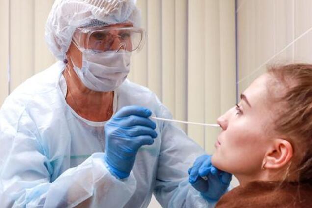 Покраснение глаз назвали новым признаком коронавируса