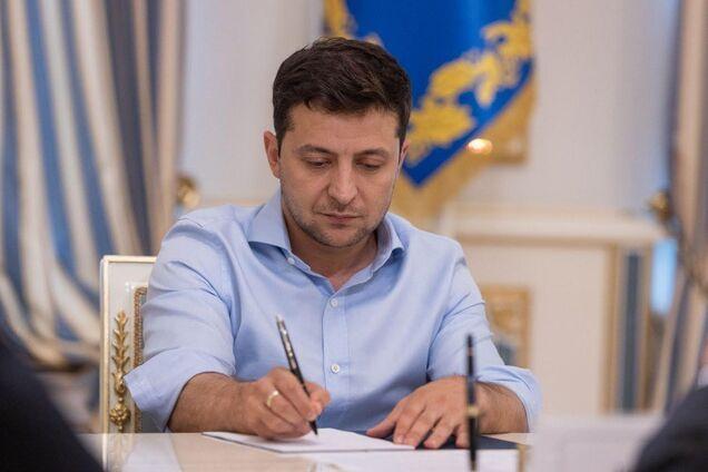 Зеленский может ввести ЧП в Украине в течение двух дней