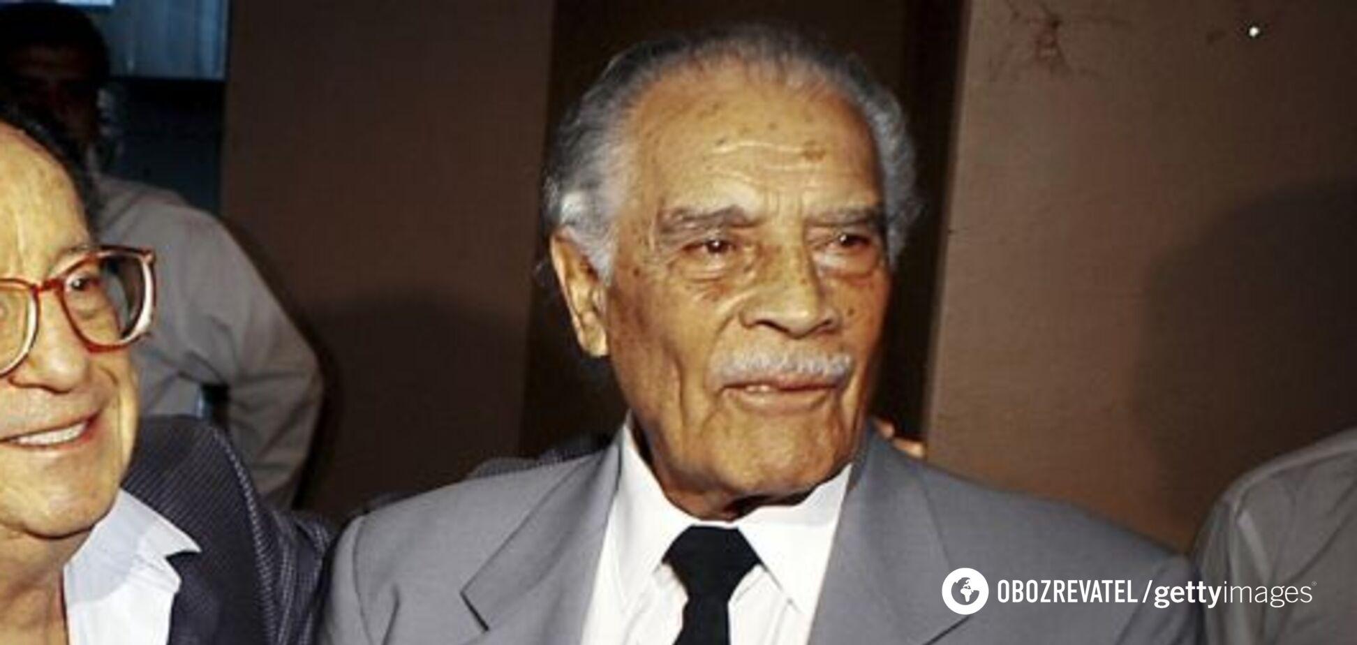 Выгнал судью с поля: в возрасте 103 лет умер легендарный футбольный тренер