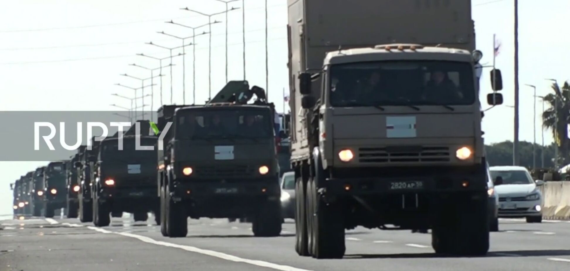 Военные КаМАЗы наводнили Италию: россияне возмутились