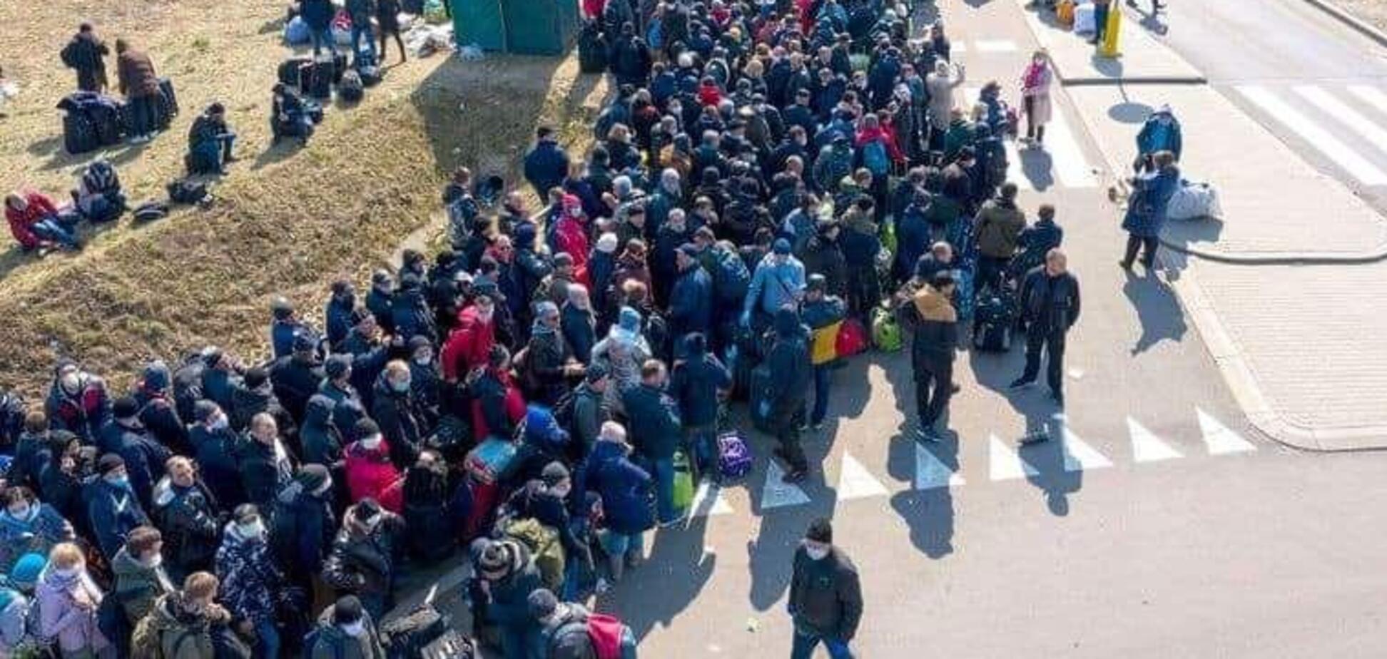 Украинцы массово бегут домой: почему экономику Польши ждет большой удар