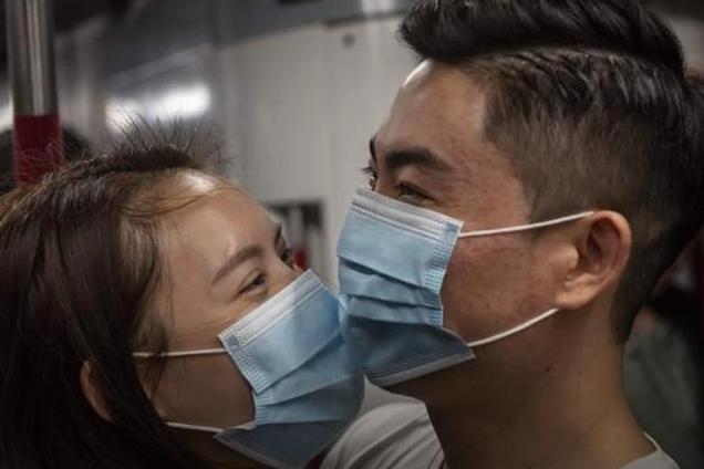 Як передається коронавірус: у ВООЗ зробили важливе уточнення