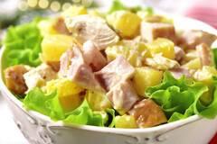 Простой и очень вкусный салат с ананасом к празднику