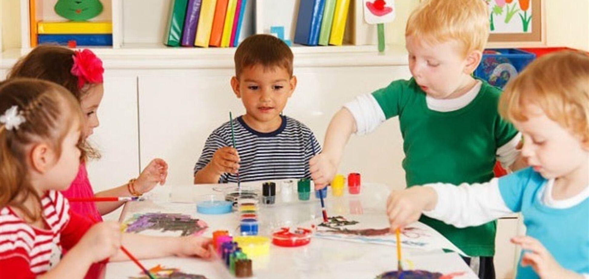 Уряд дозволив працювати в дитсадках не тільки педагогам