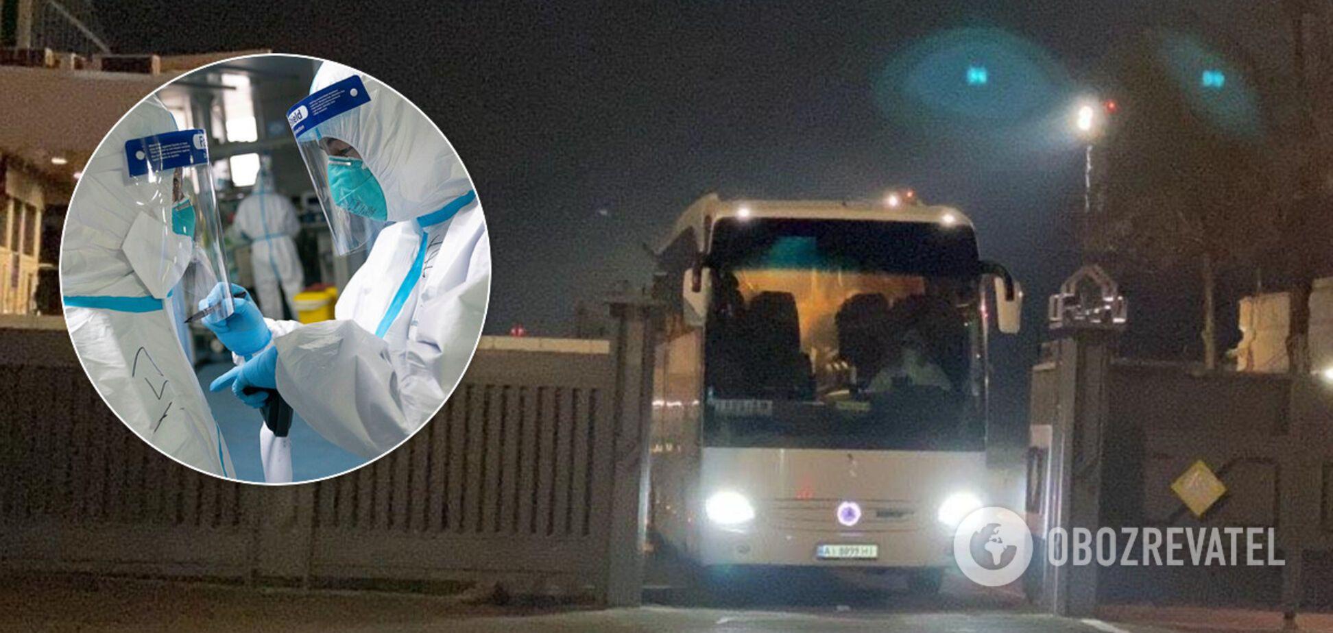 У Києві частина туристів, які прилетіли з Балі, 'втекла' від обсервації просто з-під готелю
