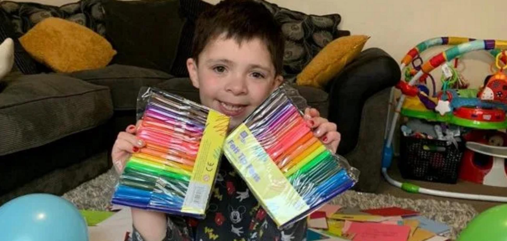 Самотнього хлопчика з аутизмом підтримав весь світ у день народження. Фото та його історія