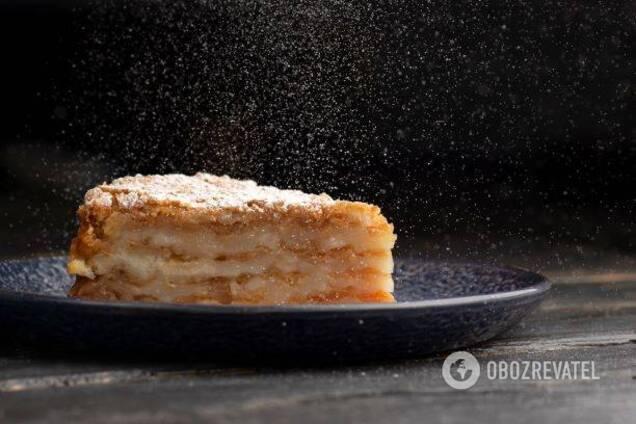 Простий та смачний рецепт яблучного пирога від Лізи Глинської