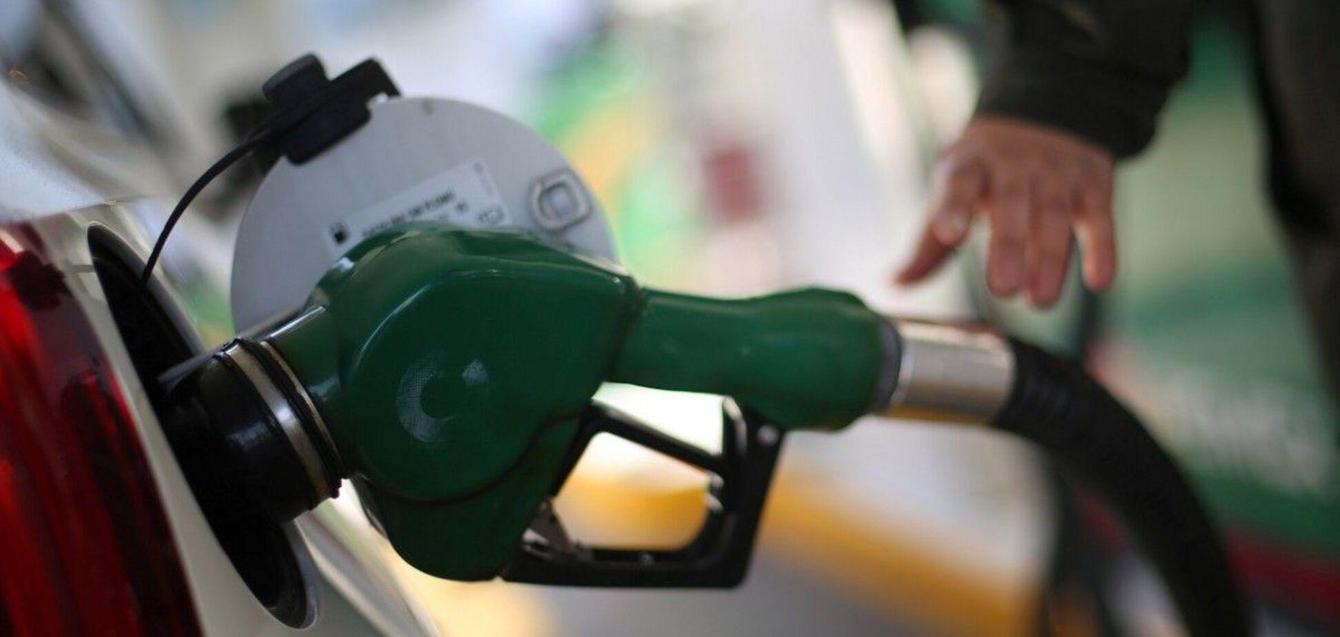 Цены на бензин упадут еще сильнее: АМКУ озвучил смелый прогноз