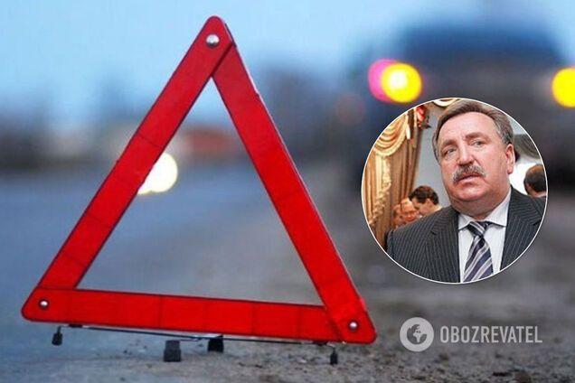 """Mercedes Benz слетел в кювет и перевернулся: в ДТП погиб экс-владелец банка """"Аваль"""""""