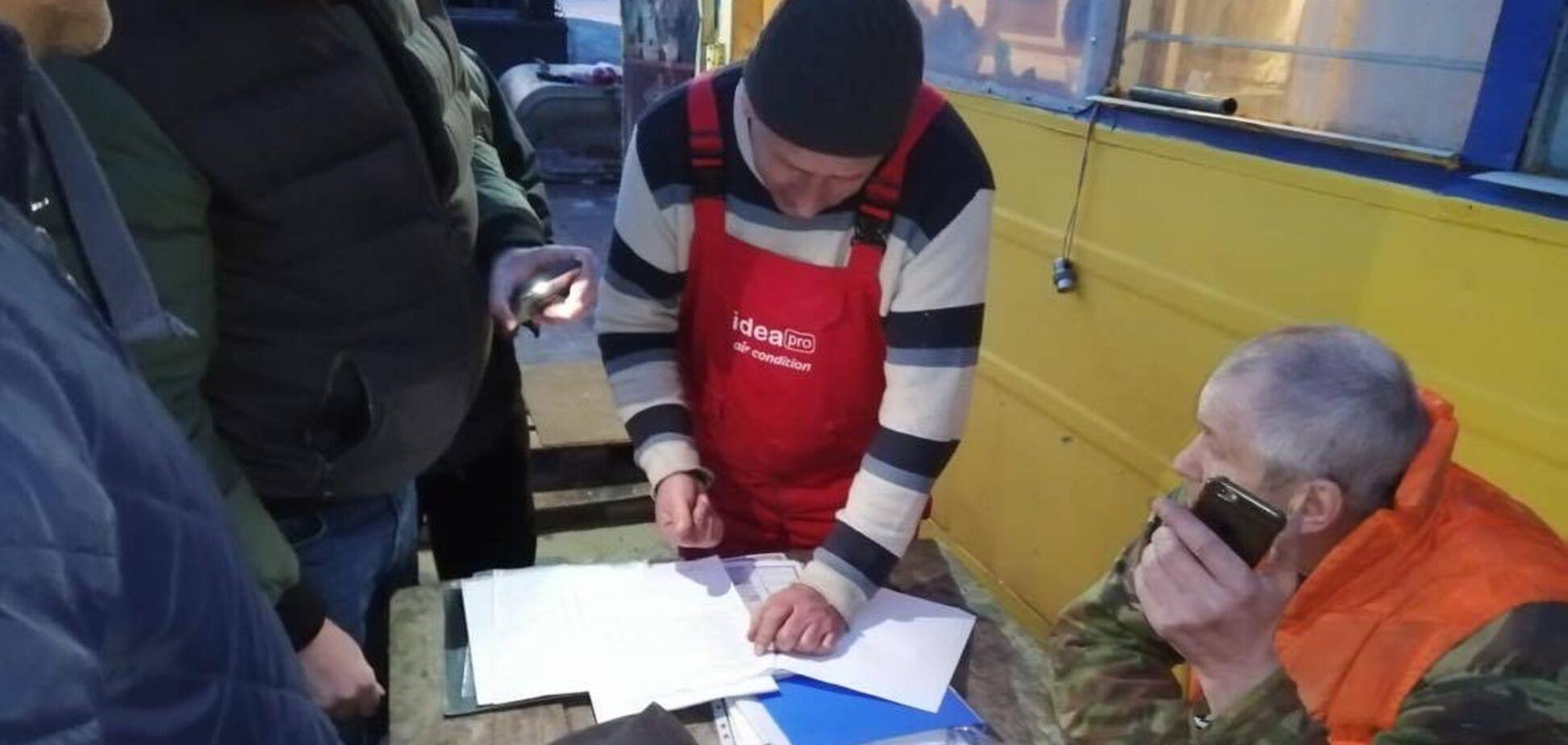 Активисты добились остановки нелегальной добычи песка в Киевской области