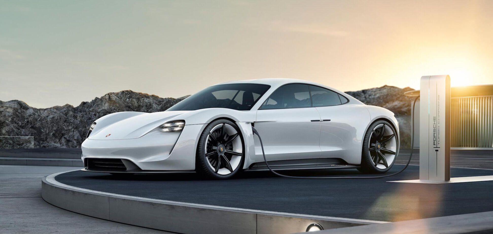 Электрический спорткар Porsche Taycan в Украине исчез с 'полок' еще до презентации