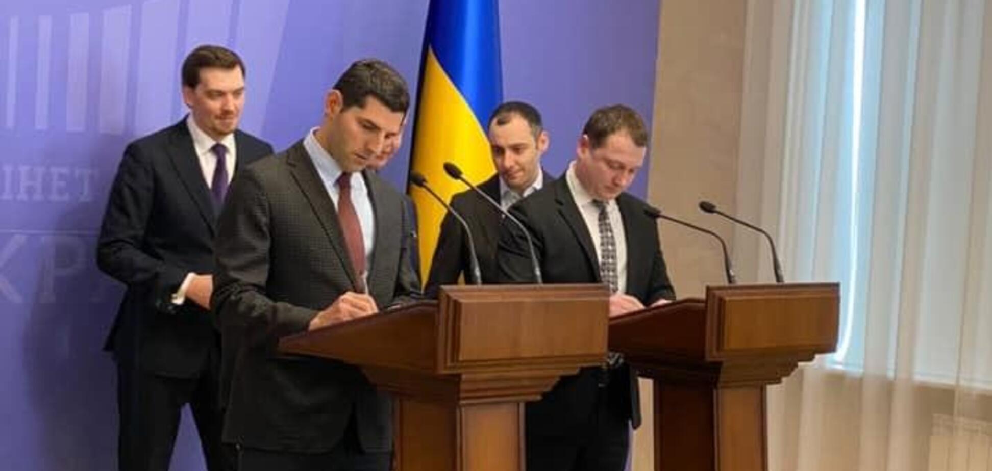Договір на добудову запорізьких мостів підписаний, - координатор 'Великого Будівництва' Юрій Голик