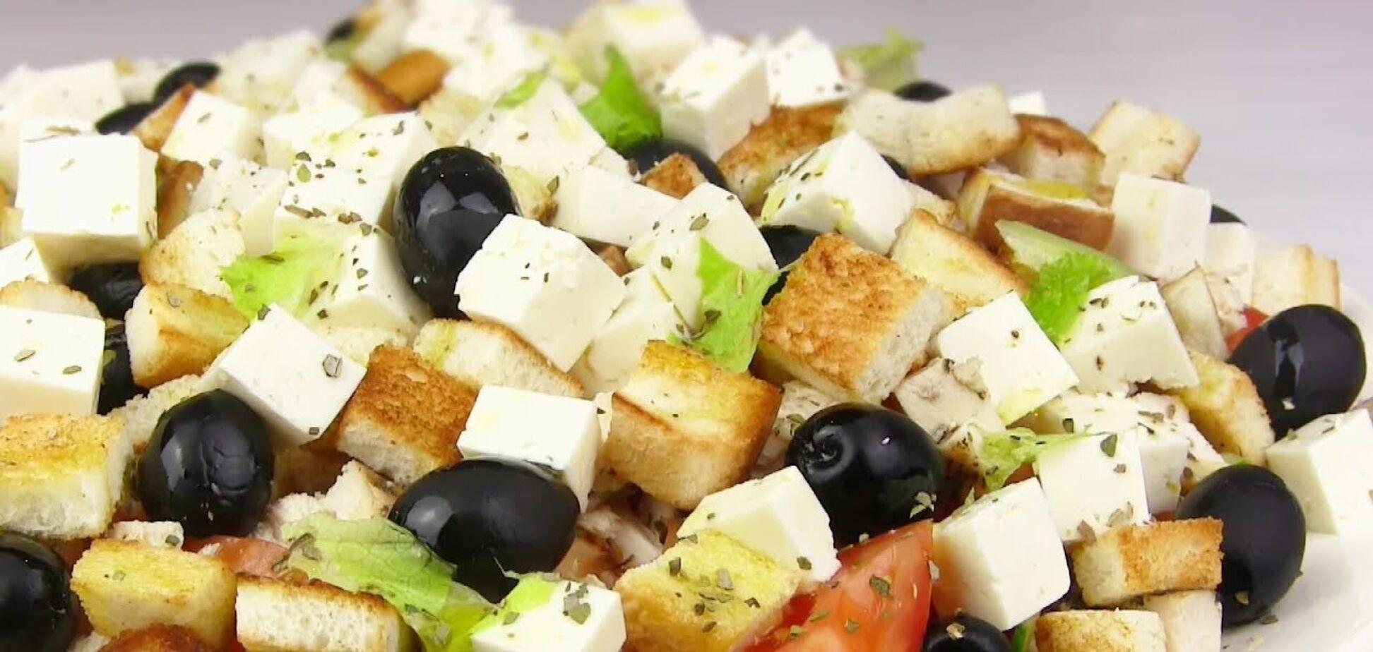 Пальчики оближеш! Святковий рецепт грецького салату з куркою