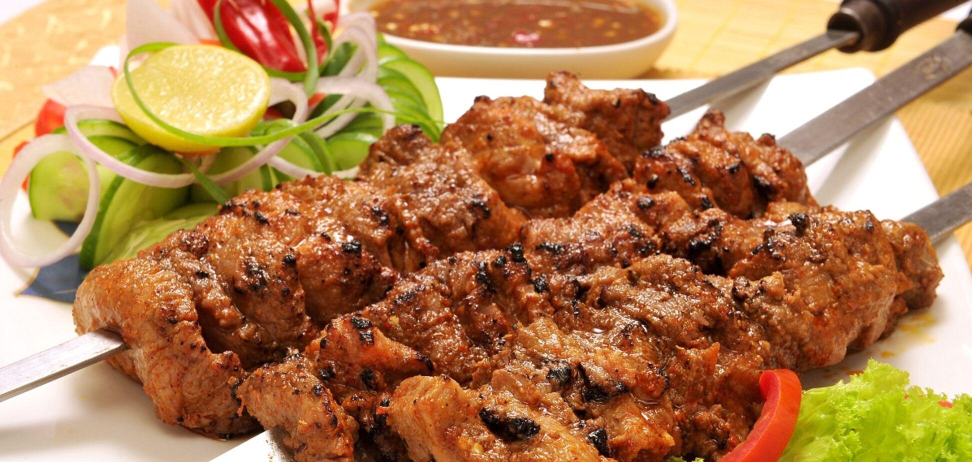 Як замаринувати ошийок на шашлик, аби м'ясо було соковитим і смачним