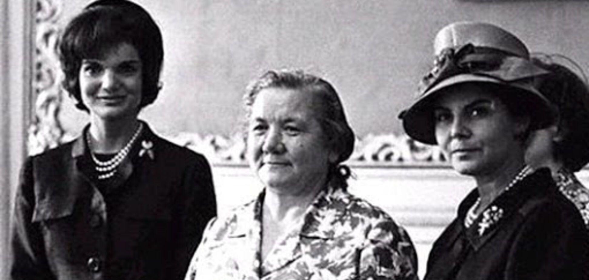 Фото дружини Хрущова 'у халаті' на прийомі в США знову випливло в мережі: в чому річ