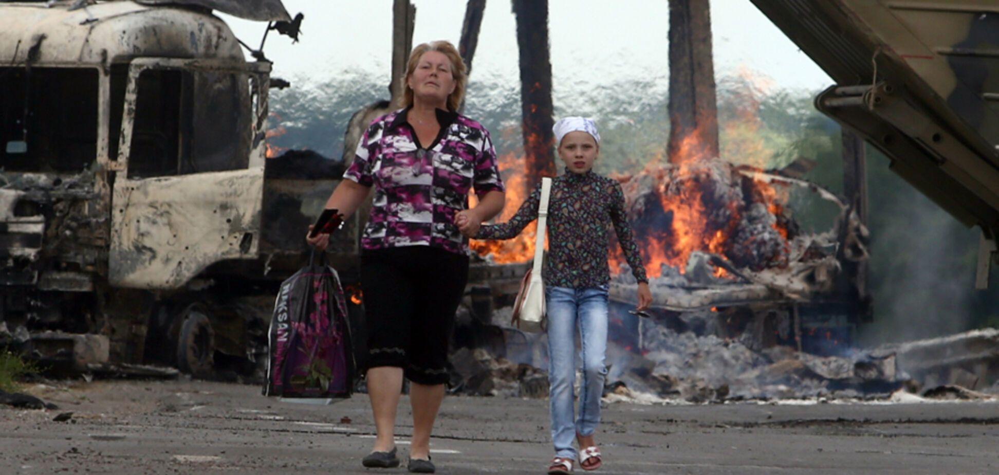 Чтобы соседи не разорвали за проукраинскую позицию, а ребенка не заплевали в школе