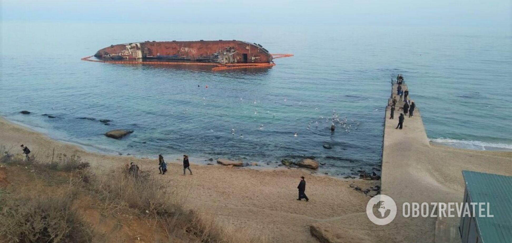 Витрати на підйом затонулого танкера Delfi відшкодує судновласник