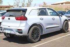 Hyundai выкатила на дороги грозу Tesla Model X. Фото
