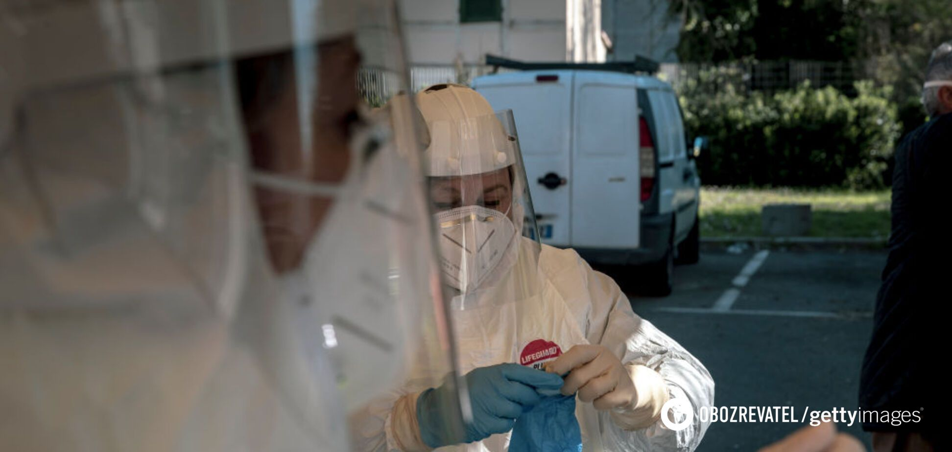 Количество заболевших коронавирусом в мире подбирается к миллиону