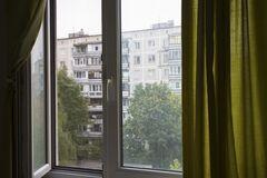 Двухлетняя девочка выпала из окна многоэтажки в Одесской области
