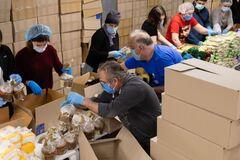 На Пасху в 'ЕС' собрали 5 тыс. продуктовых наборов