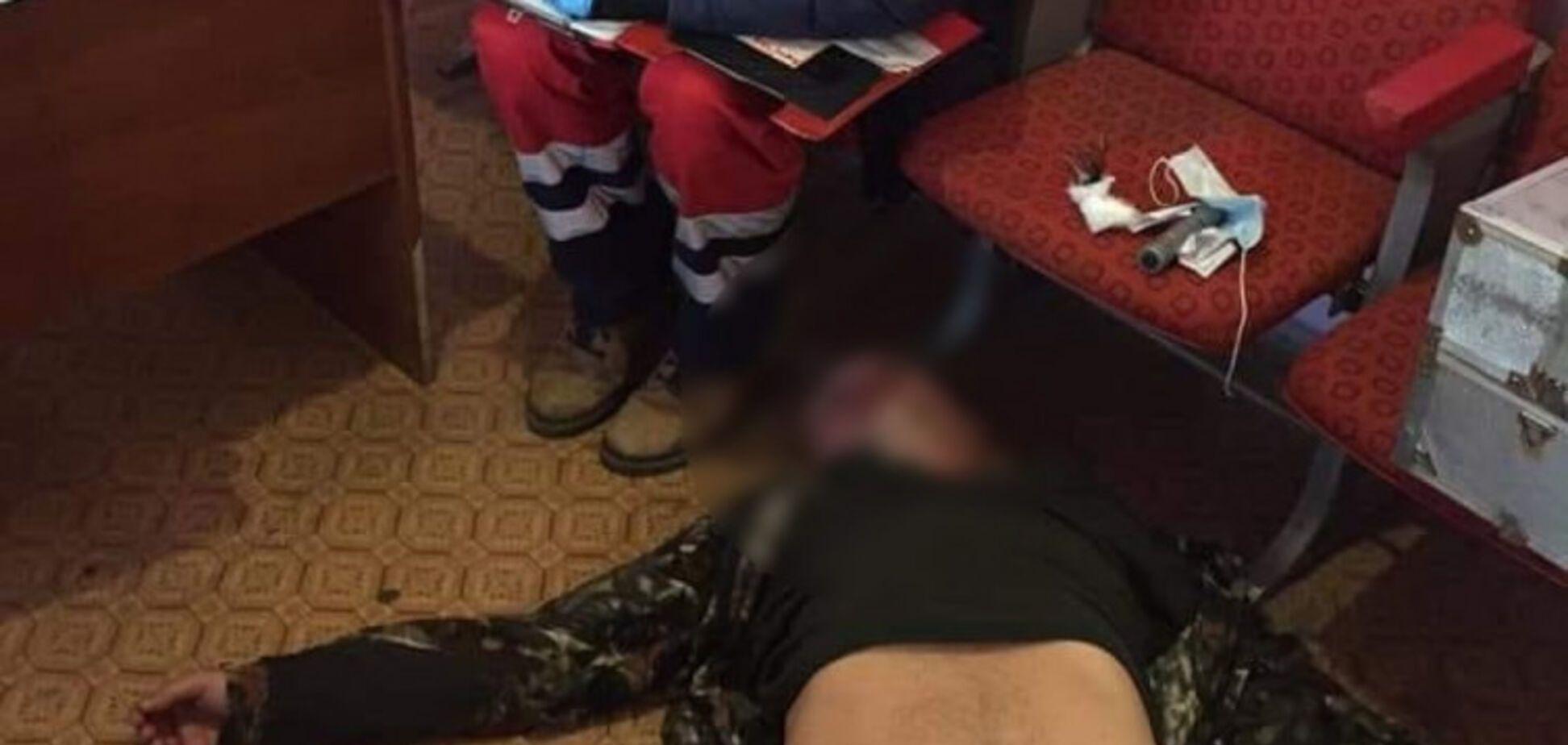 На Дніпропетровщині ексначальника ДАІ затримували з бійкою: відео