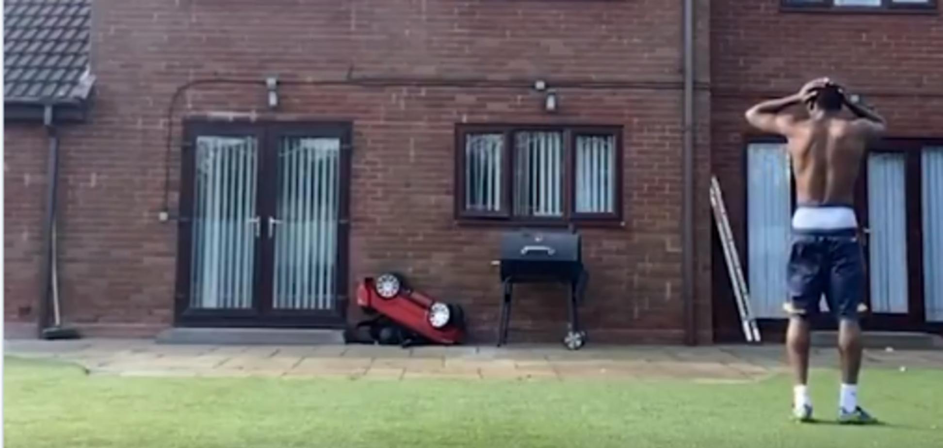 Футболист сборной Англии Рашиан Хепберн-Мерфи эпично опозорился на карантине
