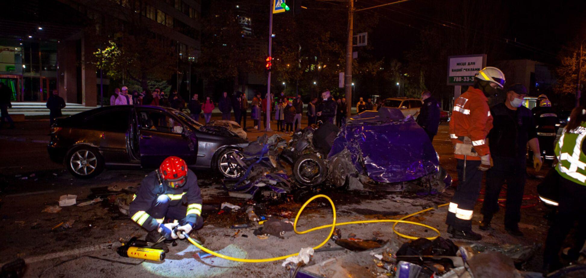 У Дніпрі п'яний водій влаштував смертельну ДТП: загинула молода пара. Фото 18+