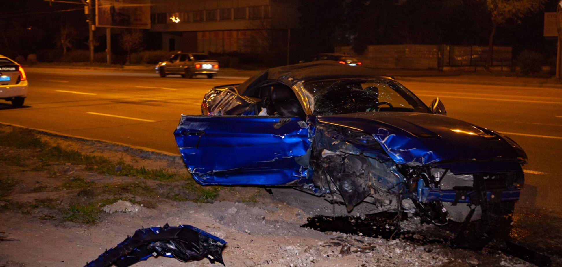 У Дніпрі Ford Mustang влетів в місце смертельної аварії. Фото