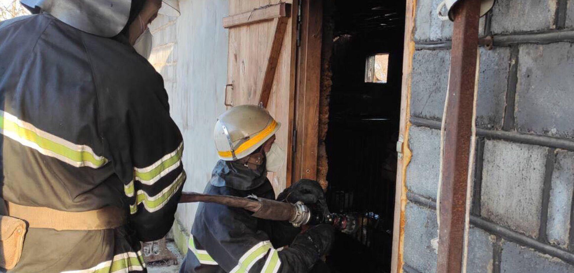 На Дніпропетровщині під час пожежі обгоріла жінка. Фото з місця НП