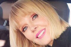 Валерия отмечает 52-летие: жаркие фото запрещенной в Украине певицы