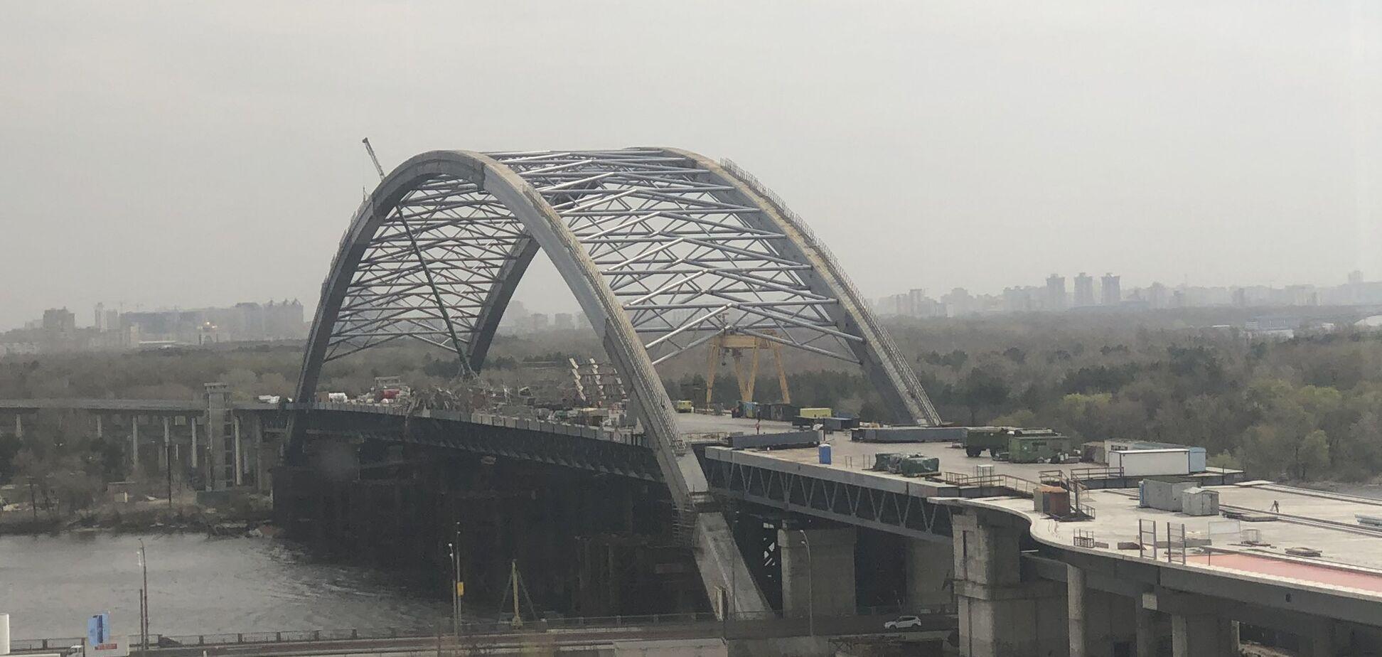 На Подільсько-Воскресенському мосту у Києві обвалилося будівельне риштування
