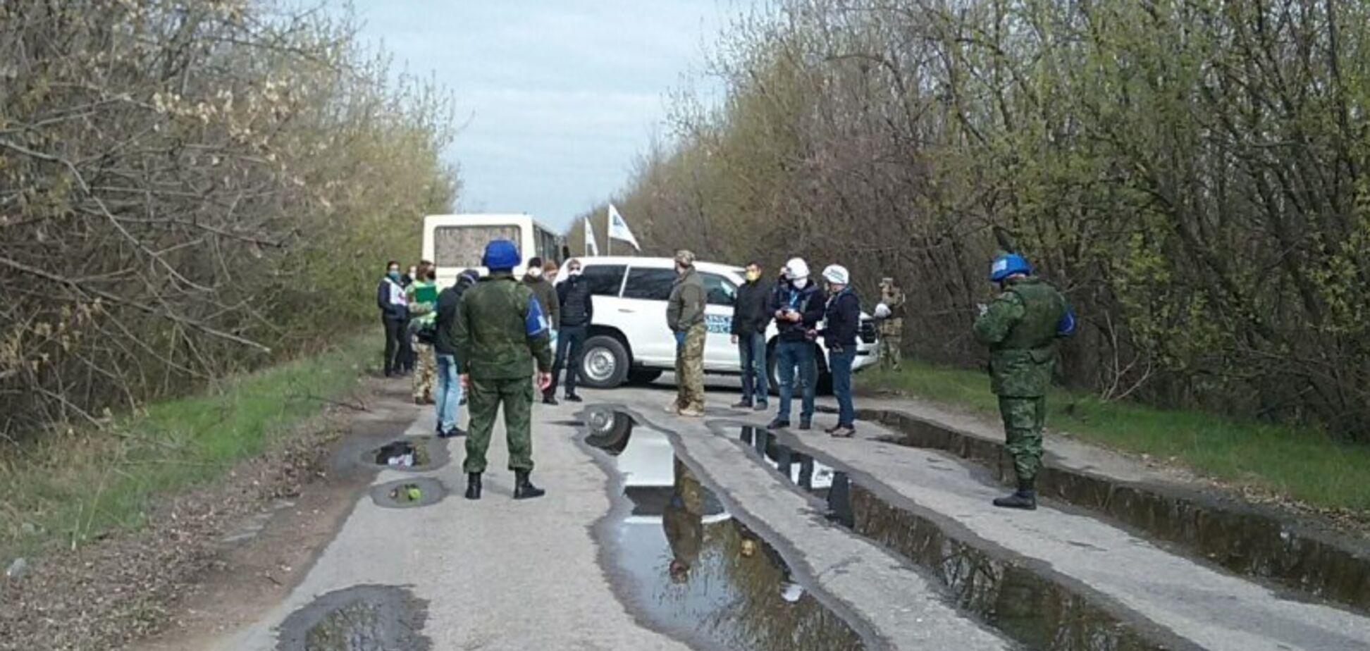 Україна видала полонених 'ДНР': з'явилися перші кадри