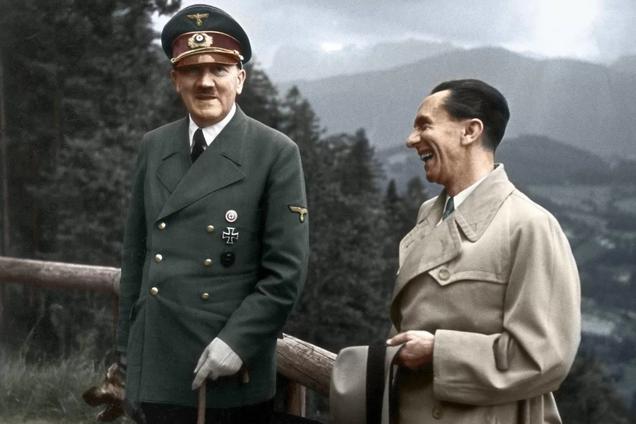 Адольф Гитлер и Йозеф Геббельс