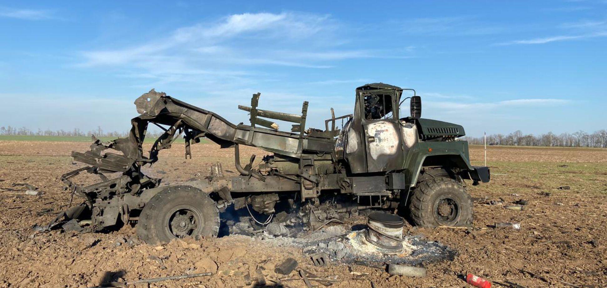 На Херсонщині вибухнула військова вантажівка з боєприпасами. Фото