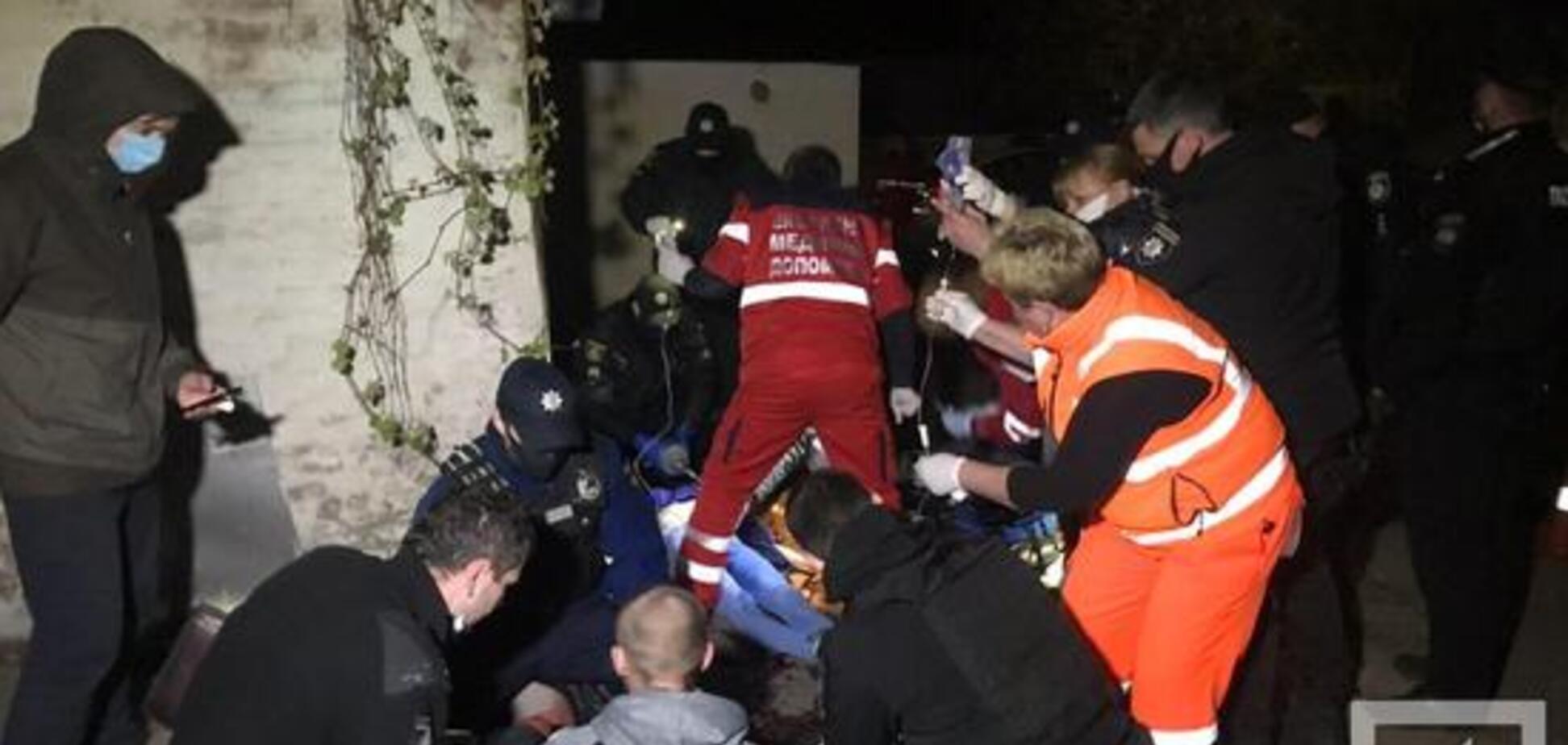 У Кривому Розі на вулиці ревнивець розстріляв молоду пару: дівчина загинула