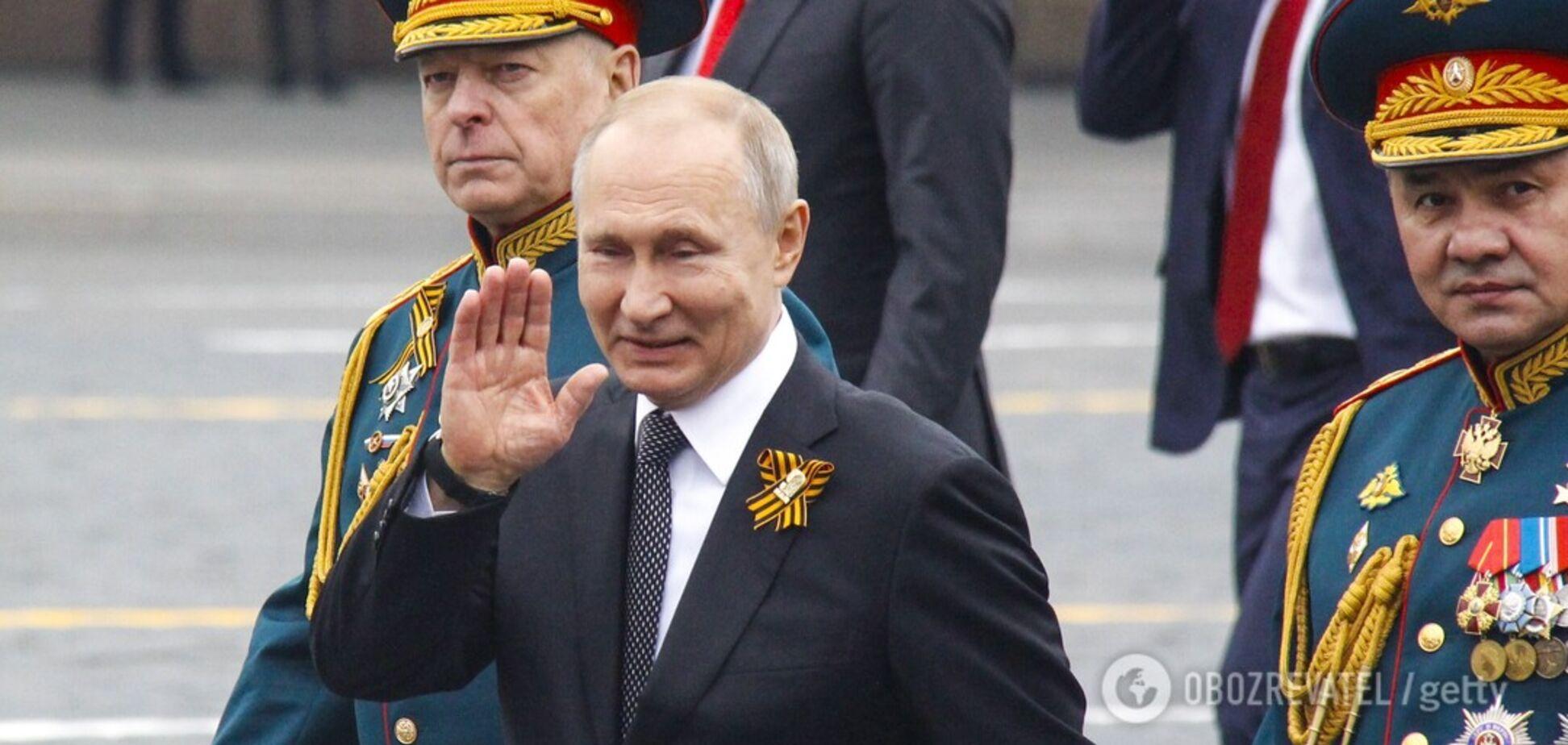 Путін скасував парад до 9 травня: історик вказав на болючі наслідки для Росії